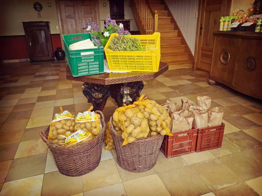 Unser Hofladen bietet Ihnen eine Menge frischer Produkte