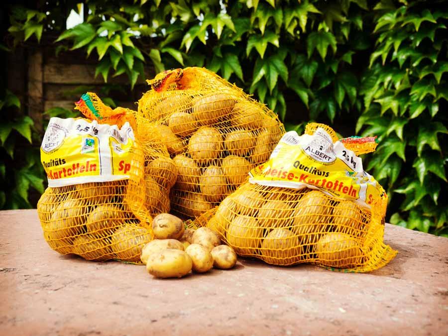 Frische Kartoffeln aus eiogenem Anbau